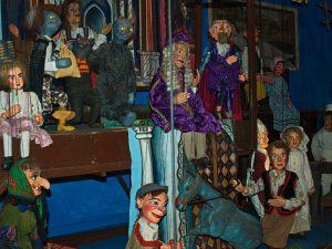 Marionetten im Museum