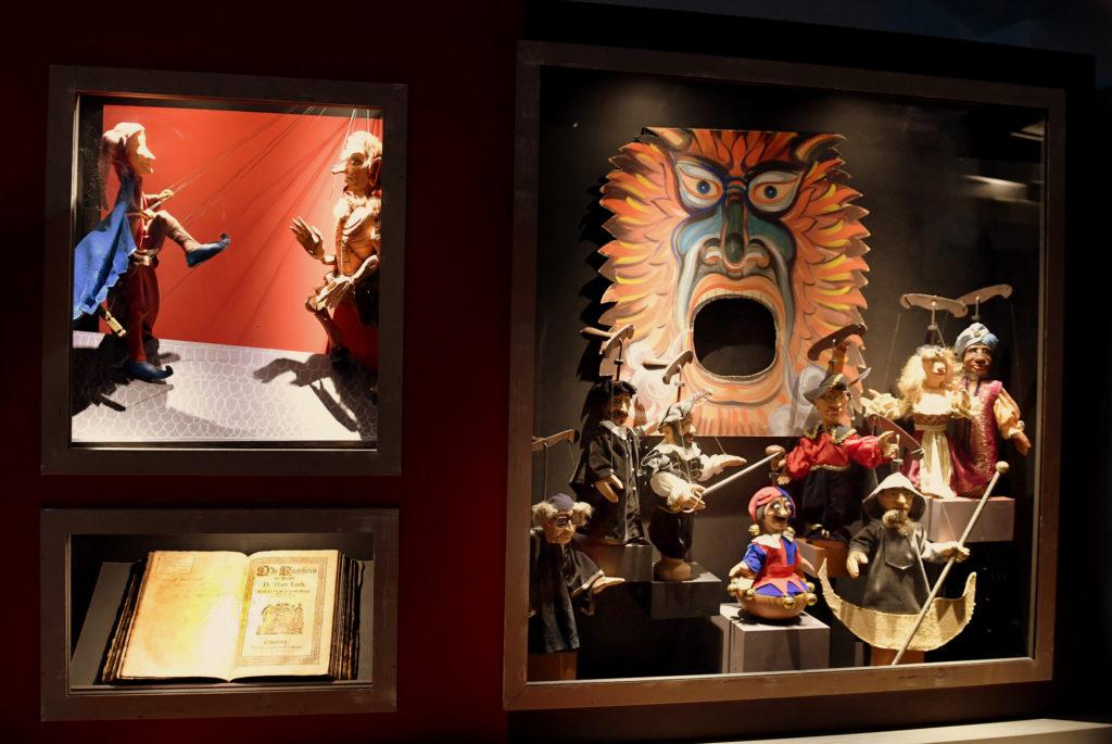Böhmische Figuren einer Faust-Inszenierung