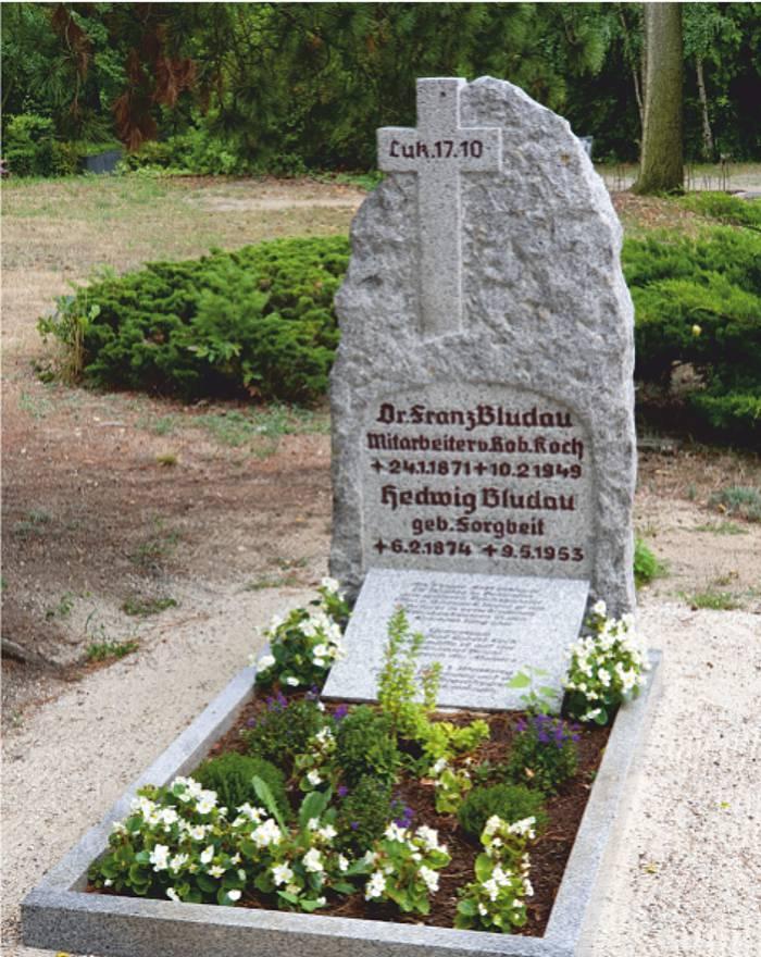 Bergfriedhof - Grab Dr. Franz Bludau